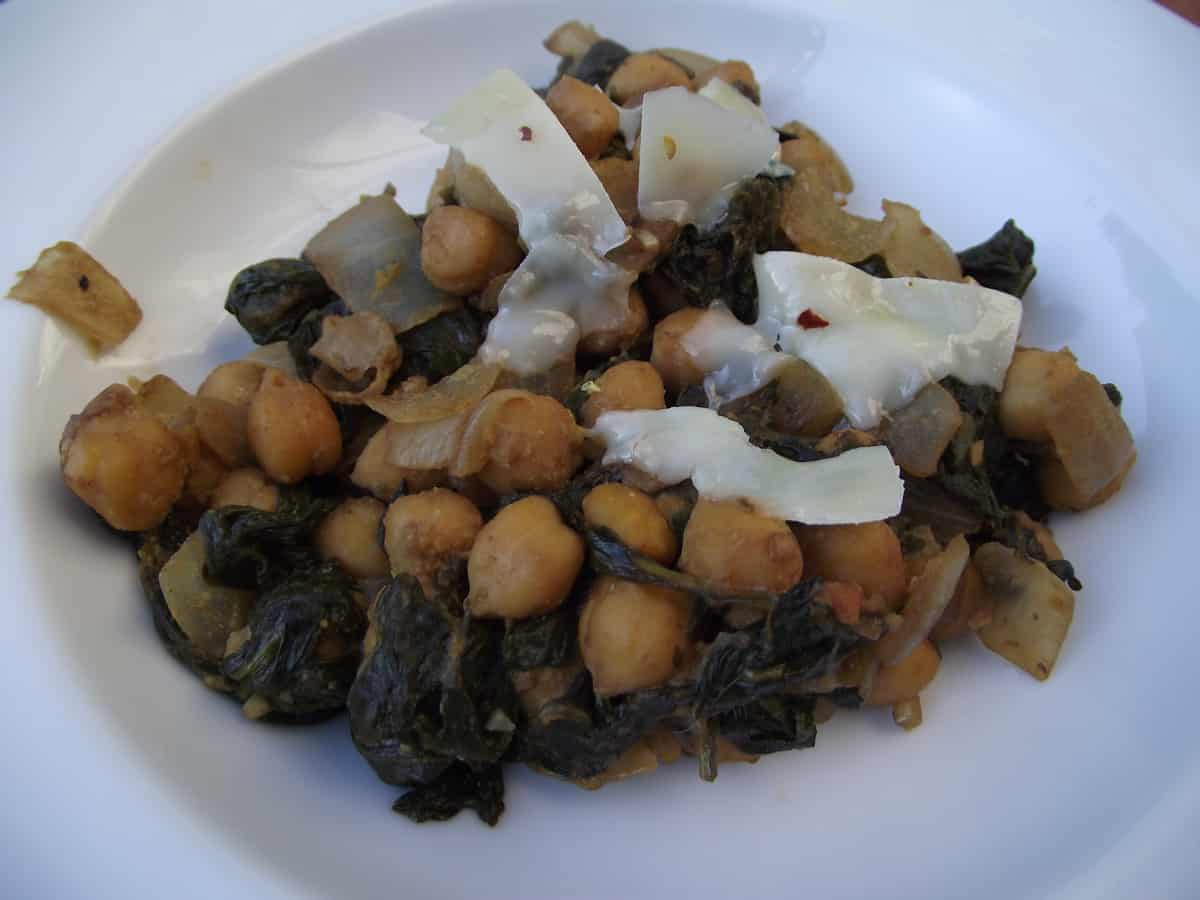 Balsamic Chickpeas and Spinach from Living Well Kitchen