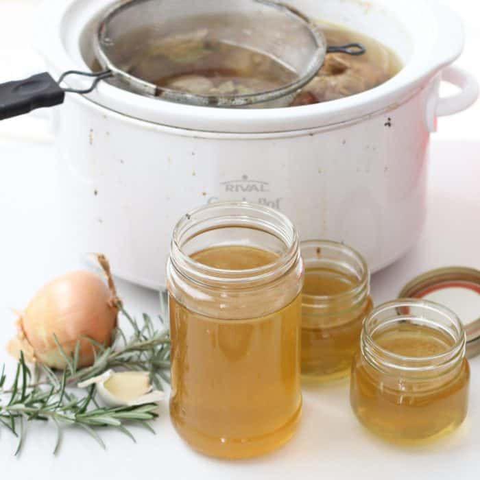 Making homemade chicken broth is easy when you use your slow cooker. Slow Cooker Chicken Broth from Living Well Kitchen @memeinge