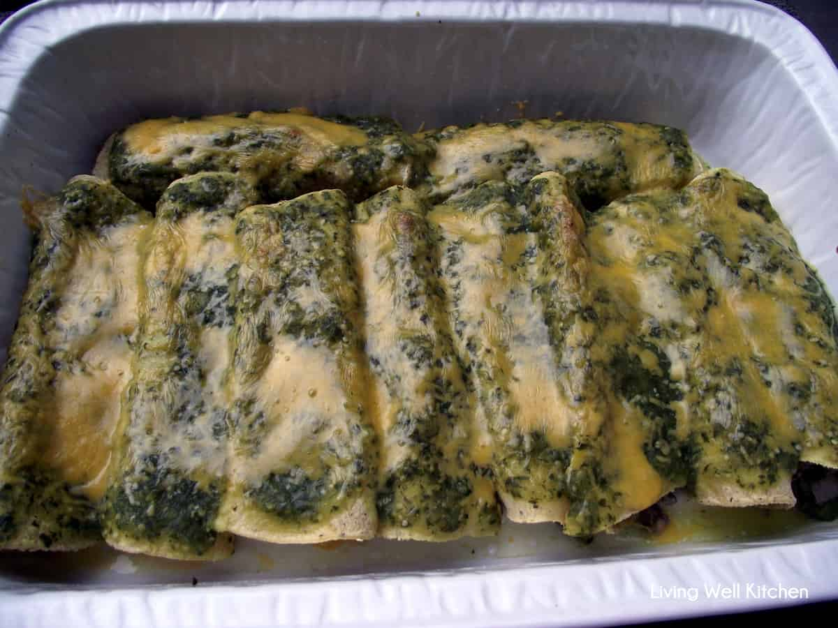 These Beef Enchiladas with Salsa Verde from Living Well Kitchen are ...