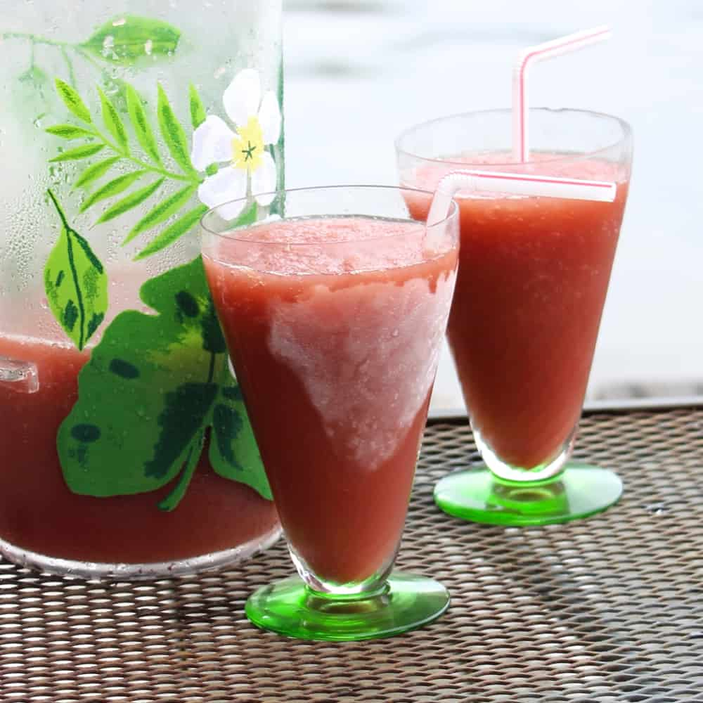 Super easy drink recipe that has only three ingredients. Red Roosters are great for make-ahead entertaining, especially for the summer! ~ Red Roosters from Living Well Kitchen