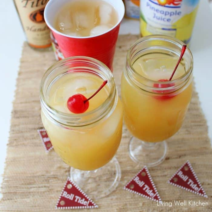 yellow hammer drinks in mason jars with roll tide drink flags