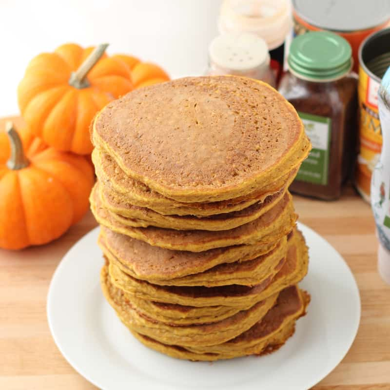 Pumpkin Protein Pancakes from @memeinge ~ Living Well Kitchen