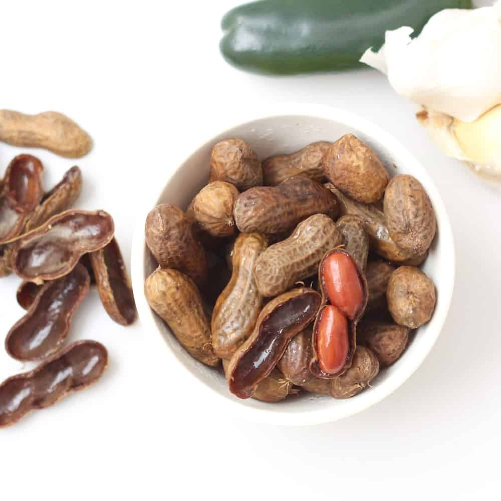 Slow Cooker Jalapeño Garlic Boiled Peanuts