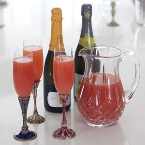 sparkling cocktail from Living Well Kitchen